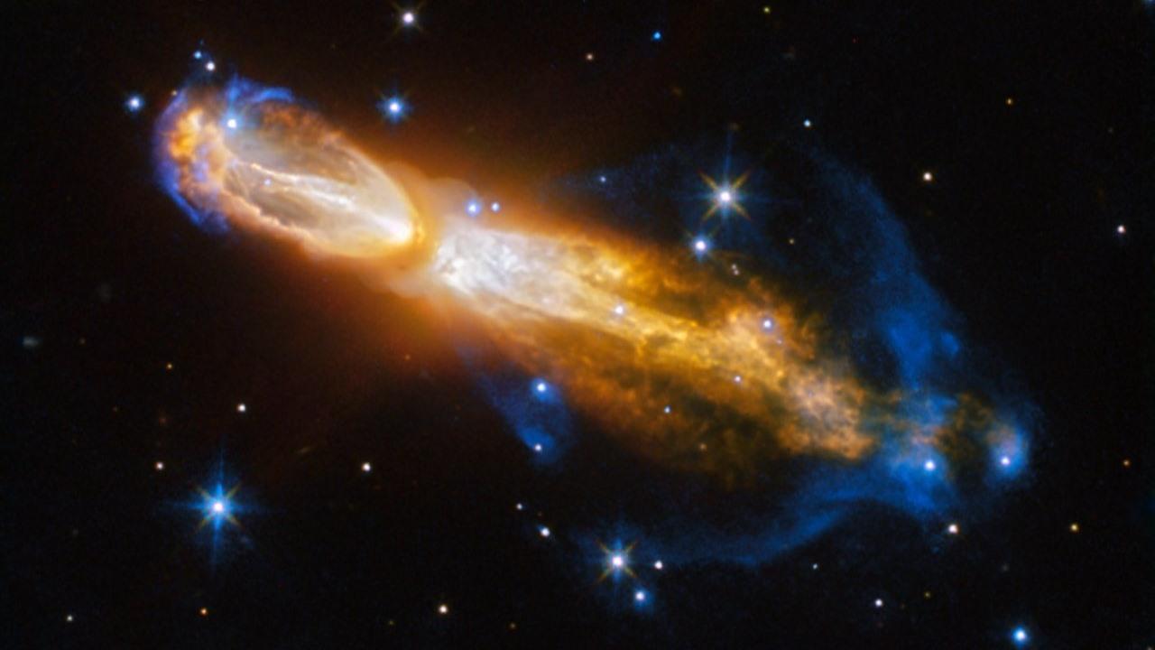 Хаббл запечатлел смерть яркой звезды в созвездии Корма