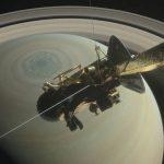 Аппарат «Кассини» совершил свой первый «нырок» в кольца Сатурна
