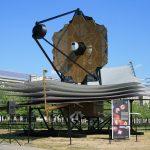 Телескоп Джеймса Уэбба сможет увидеть шмеля на Луне