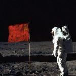 Уфологи утверждают, что первыми покорителями Луны были советские космонавты