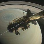 Космическая станция «Кассини» начала погружение в атмосферу Сатурна